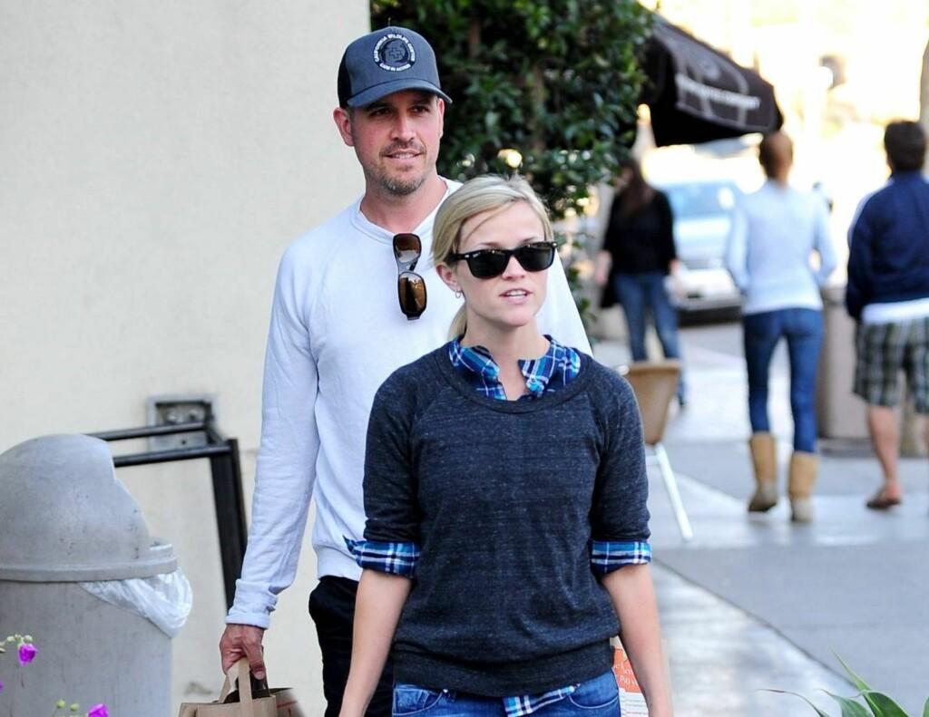 FORLOVET: Reese Witherspoon og Jim Toth. Foto: Stella Pictures