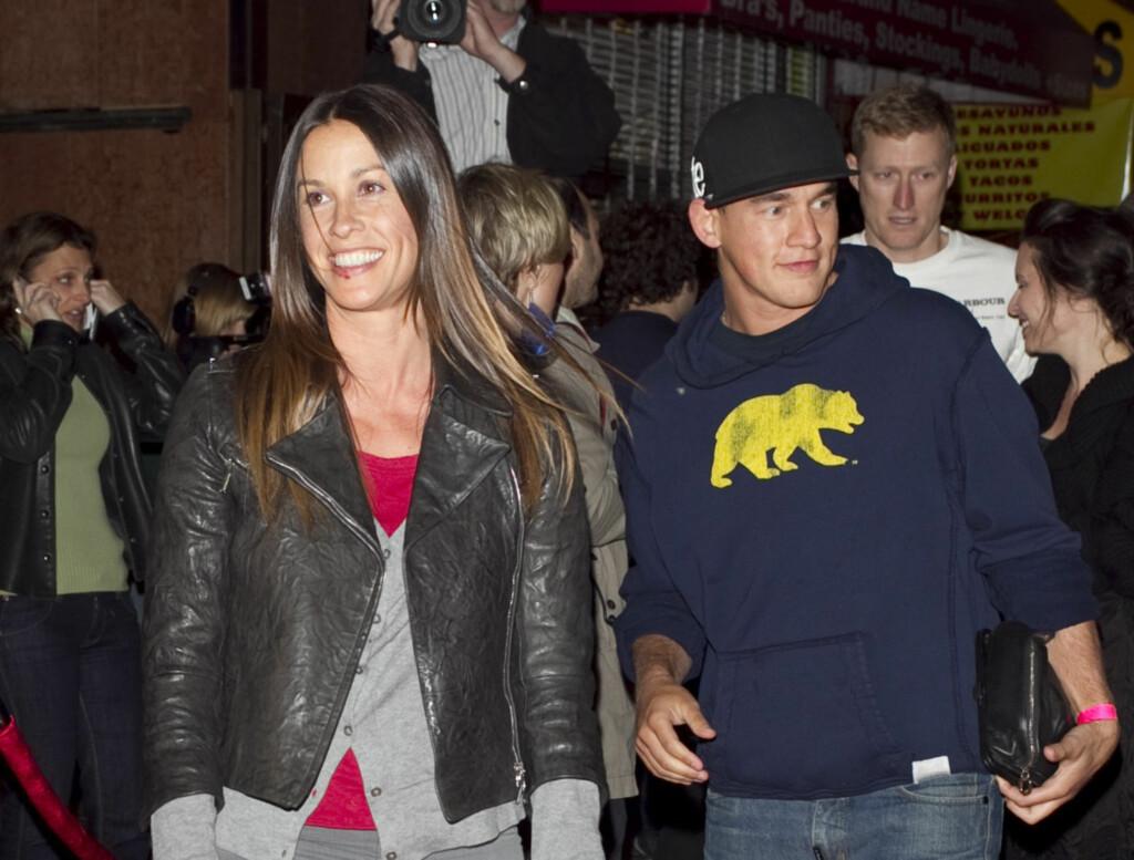 FORELDRE: Alanis Morisette og Mario Treadway er blitt foreldre til en liten sønn. Foto: All Over Press