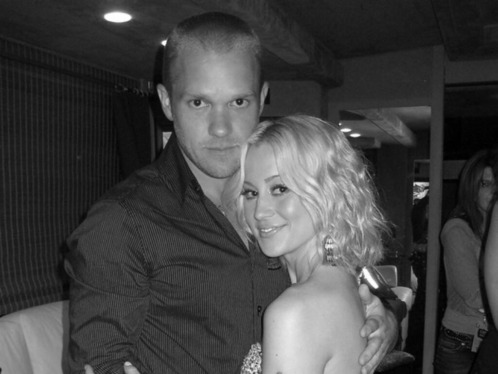 KJÆRLIGHETSERKLÆRING: - Jeg elsker denne mannen, skrev Kellie Pickler da hun la ut dette bildet på sin Twitter-side etter å ha giftet seg i hemmelighet med kjæresten Kyle Jacobs.