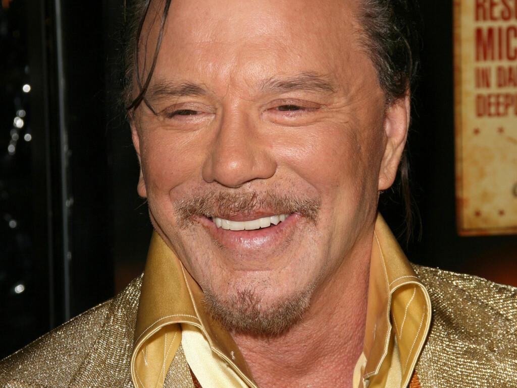 OVER TIL LØSTENNER: Snart er det slutt på Hollywood-smilet til Mickey Rourke, etter at han skal ha bestemt seg for å trekke ut fortennene i forbindelse med en ny filmrolle. Foto: Stella Pictures