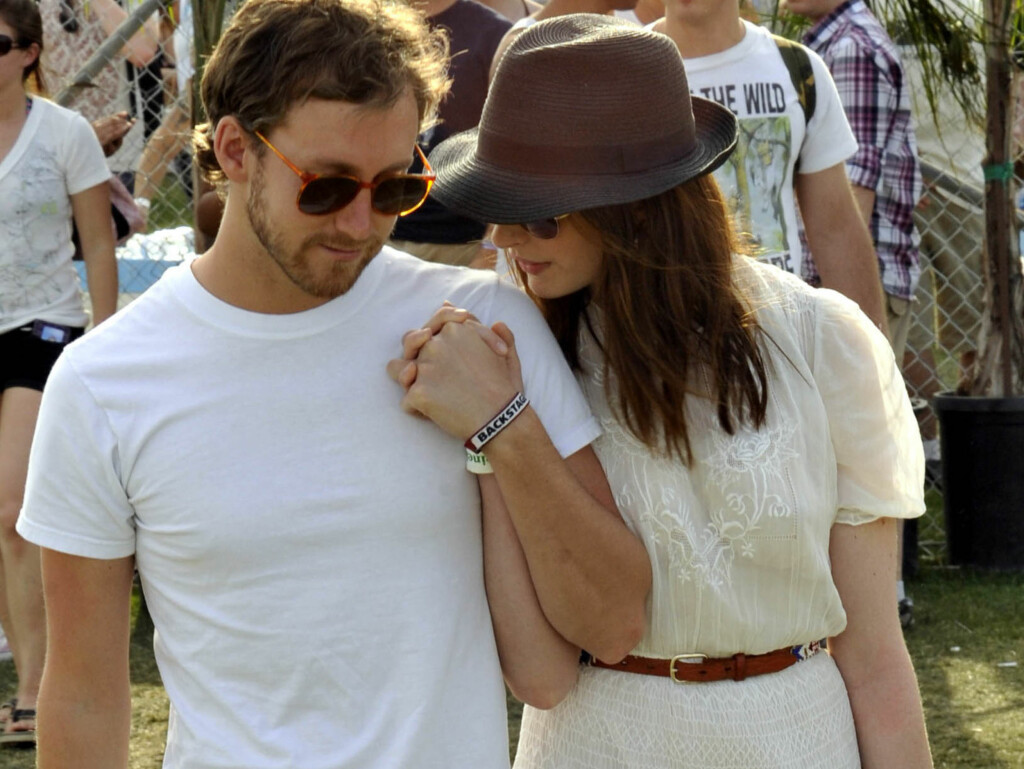 SAMBOERE: Skuespillerparet Anne Hathaway og Adam Shulman er blitt samboere. Foto: All Over Press