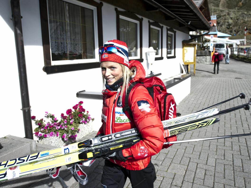 I VINDEN. Mange mener Therese Johaug er altfor tynn. Selv sier hun naturen og økt treningsmenge har vært avgjørende for hvor mye hun veier denne sesongen. Foto: SCANPIX
