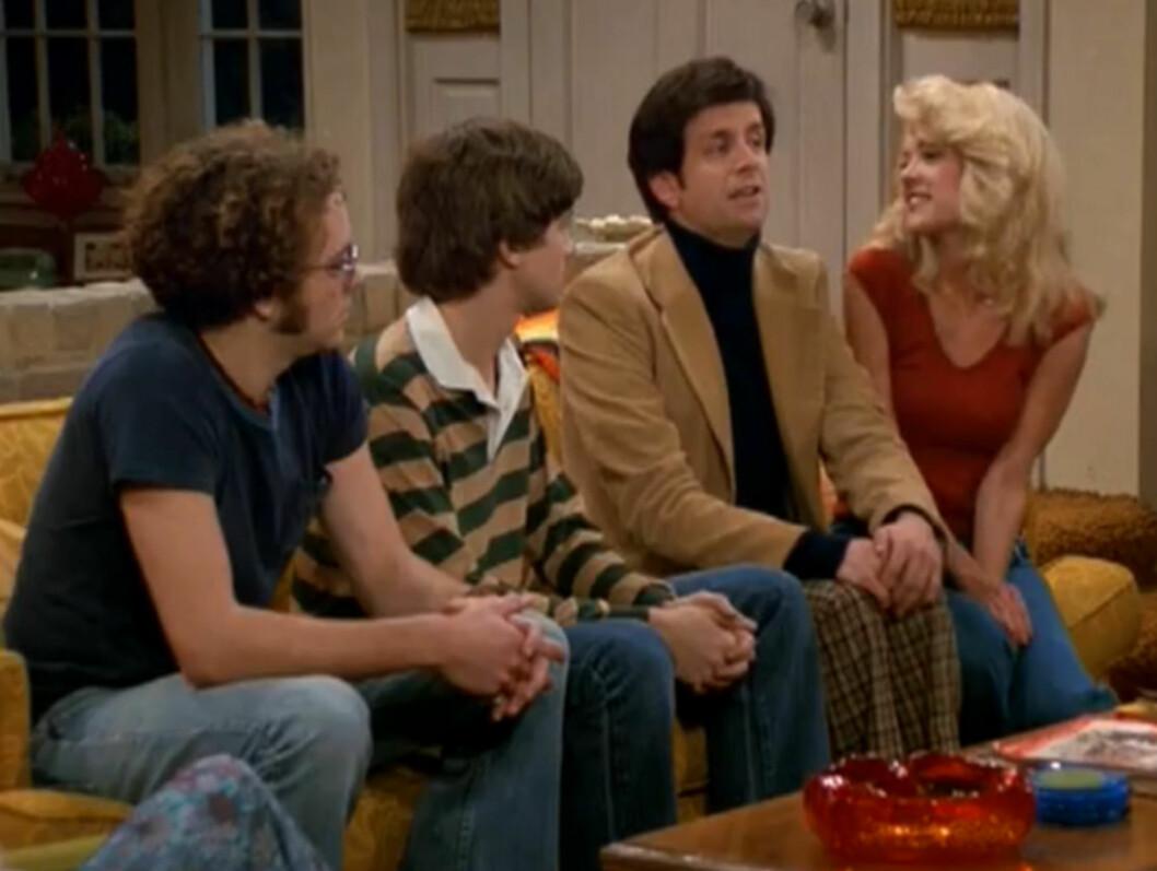 SUKSESSROLLE: Lisa Robin Kelly gjorde suksess som den flørtende storesøsteren Laurie i TV-serien «Et 70-talls show», som her til lands sendes på TV 2. Her er hun sammen med Danny Masterson, Topher Grace og Kevin McDonald.