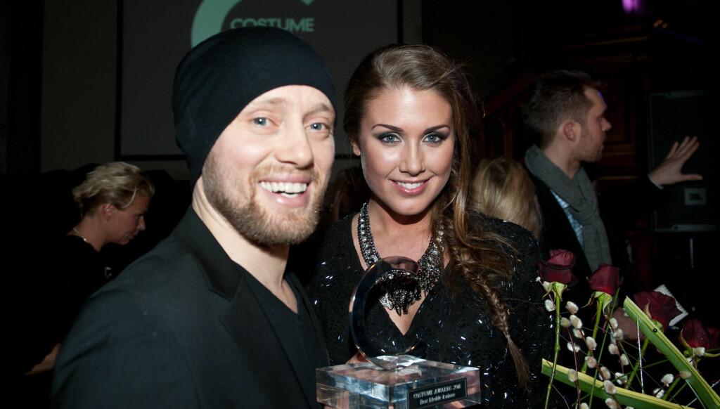 LEI: Tone Damli Aaberge, som her er avbildet sammen med kjæresten Aksel Hennie, begynner å se seg mektig lei av negative skriverier på sin egen nettside. Foto: Stella Pictures
