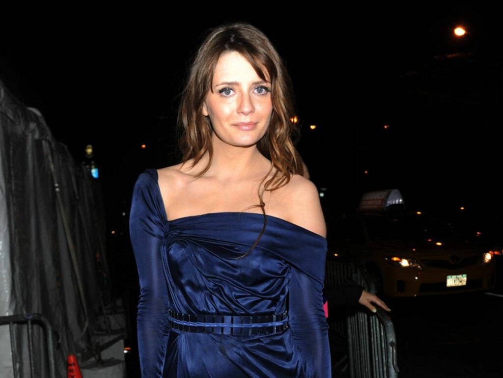 SNAKKER UT OM TVANGSINNLEGGELSEN: Mischa Barton. Foto: All Over Press