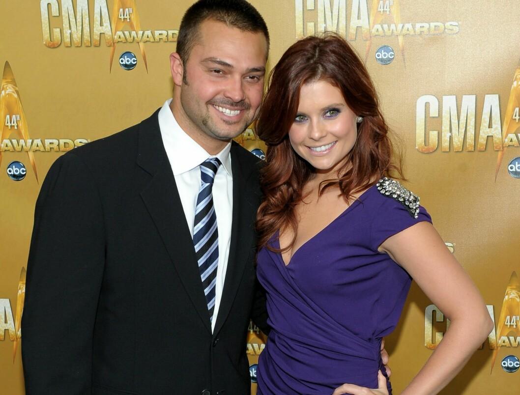 GIFT: Joanna Garcia og «Yankees»-stjernen Nick Swisher. Foto: All Over Press