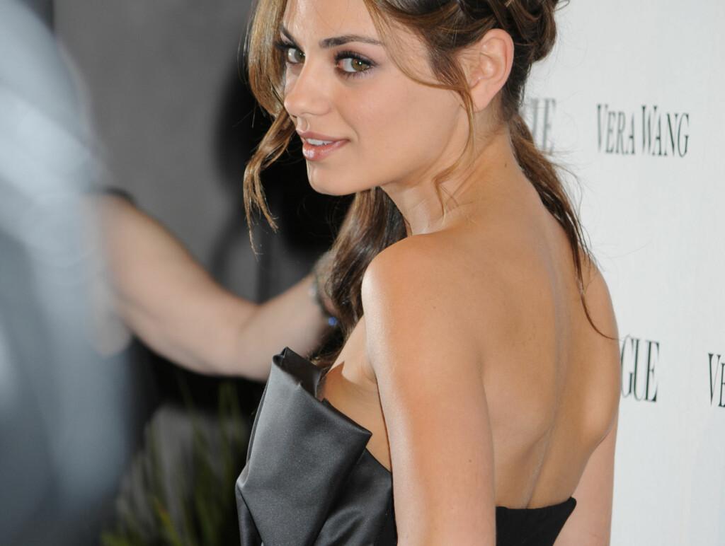 BARE BEIN: Mila Kunis ga moren vektsjokk og mente selv hun kun så bein etter filmslankingen. Foto: Stella Pictures