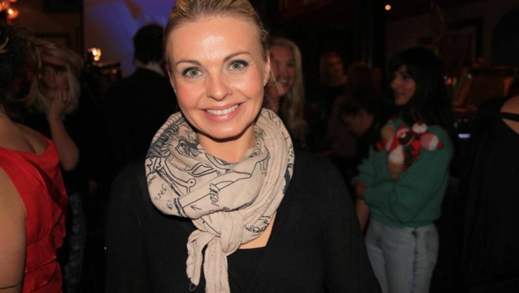 LYKKELIG: Marthe Sveberg Bjørstad er veldig lykkelig over at kjæresten har fridd.  Foto: Anders Myhren/Seher.no