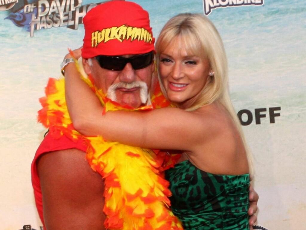 JULEBRYLLUP?: Ifølge nettsiden TMZ har TV-stjernen Hulk Hogan søkt om tillatelse til å gifte seg innen 11. januar 2011 med sin kjæreste Jennifer McDaniel. Foto: All Over Press