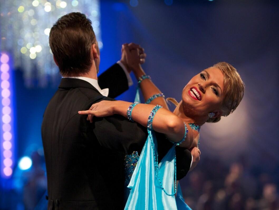 VIDERE: Stig Henrik Hoff og Alexandra Kakourina er videre til semifinalen i årets Skal vi danse. Foto: Stella Pictures