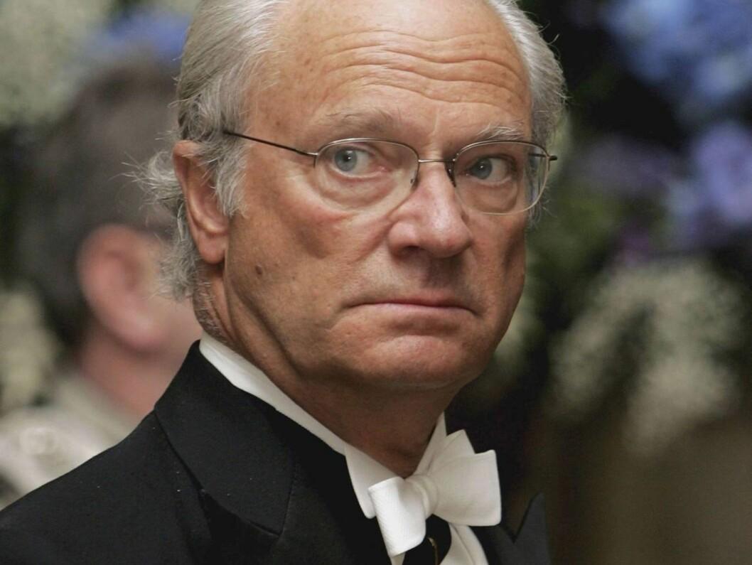 BEKYMRET: Ifølge en kilde nær kongefamilien, er både Carl Gustaf og resten av hoffet svært bekymret over den nye boken. Foto: All Over Press