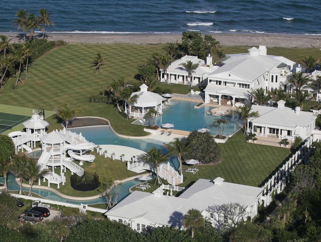 HER VOKSER DE OPP: Det er nok av plass til tvillinger på Céline Dion og ektemannens fantastiske hjem på Jupiter Island i Florida. Her skal Eddy og Nelson vokse opp. Foto: All Over Press