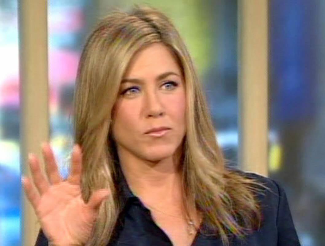 BLE SLAKTET AV JOAN: Joan Collins kom med noen krasse utsagn rettet mot Jennifer Aniston. Men Aniston vil likevel ikke involvere seg i noen form for munnhuggeri med 80-talls stjernen. Foto: All Over Press
