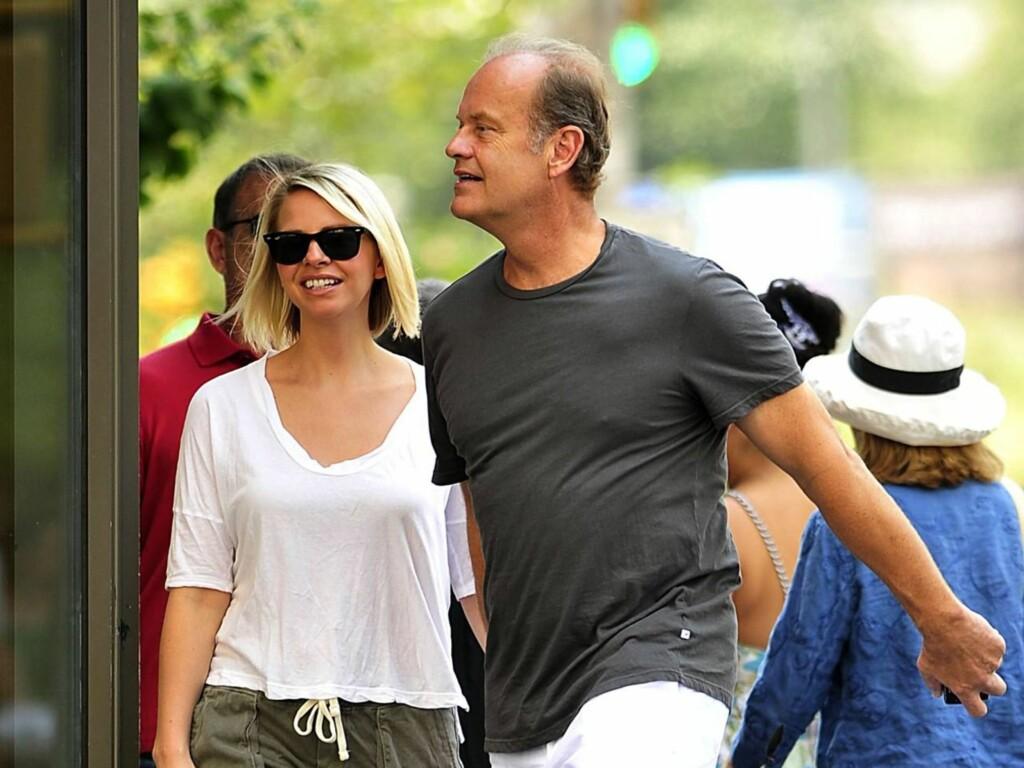 NY FLAMME: «Frasier»-stjernen Kelsey Grammer ble nylig observert arm i arm med det som skal være hans nye kjæreste, «Kate». Foto: All Over Press