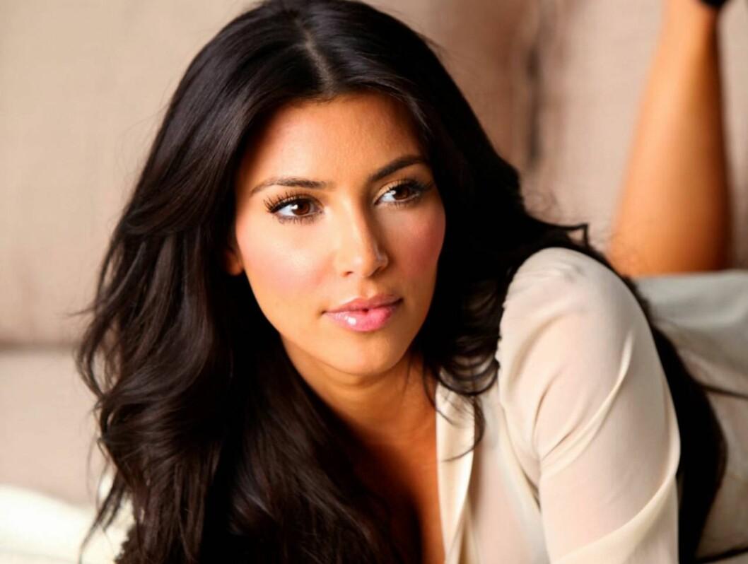 UTSEENDEFIKSERT: Kim Kardashian er en travel kvinne, men hun tar seg alltid tid til å se bra ut. Foto: All Over Press