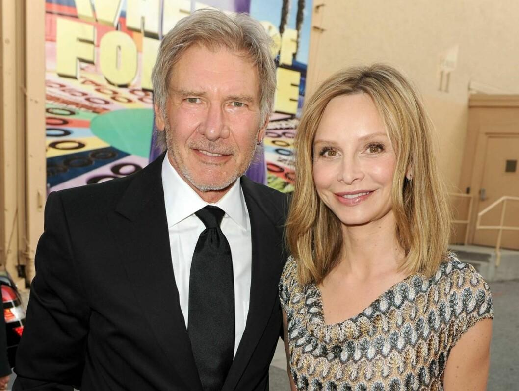 GIFTET SEG: Harrison Ford og Calista Flockhart har vært sammen i rundt åtte år. Nå har de offisielt blitt mann og kone. Foto: All Over Press