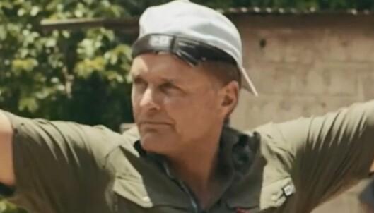 Dag Otto må ut av komfortsonen når han skal lære landsbyen om bruken av kondom