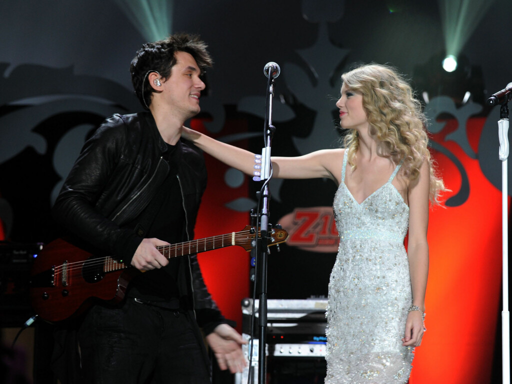 "FANT TONEN: Ifølge The Evil Beet skal John Mayer og Taylor Swift ha falt for hverandre. Her opptrer de sammen under arrangementet ""Jingle Ball"" i New York i desember.  Foto: All Over Press"