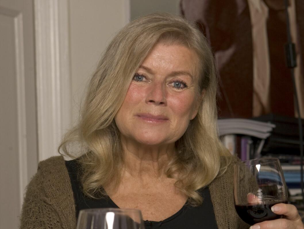 """INTIME BETROELSER: Ingeborg Sørensen avslørte at hun syntes Jack Nicholson var en dårlig elsker i tirsdagens """"Celebert selskap"""" på TV3. Foto: TV3"""