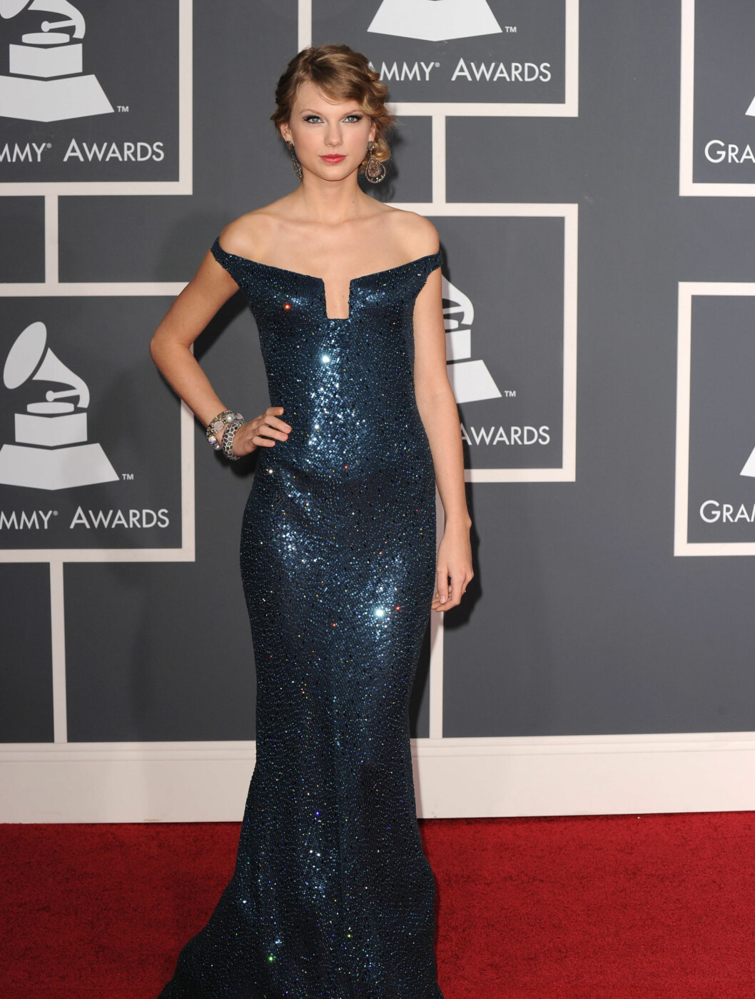ÅTTE NOMINASJONER: Sangeren Taylor Swift var nominert til åtte priser. Hun kom i en kjole fra KaufmanFranco. Foto: All Over Press