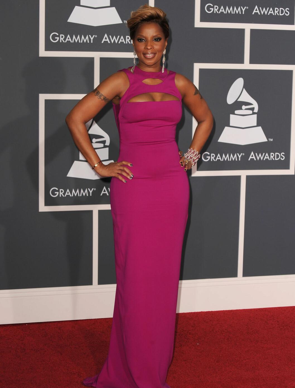 I ROSA: Mary J. Blige kom i denne rosa kjolen fra Gucci. Foto: All Over Press
