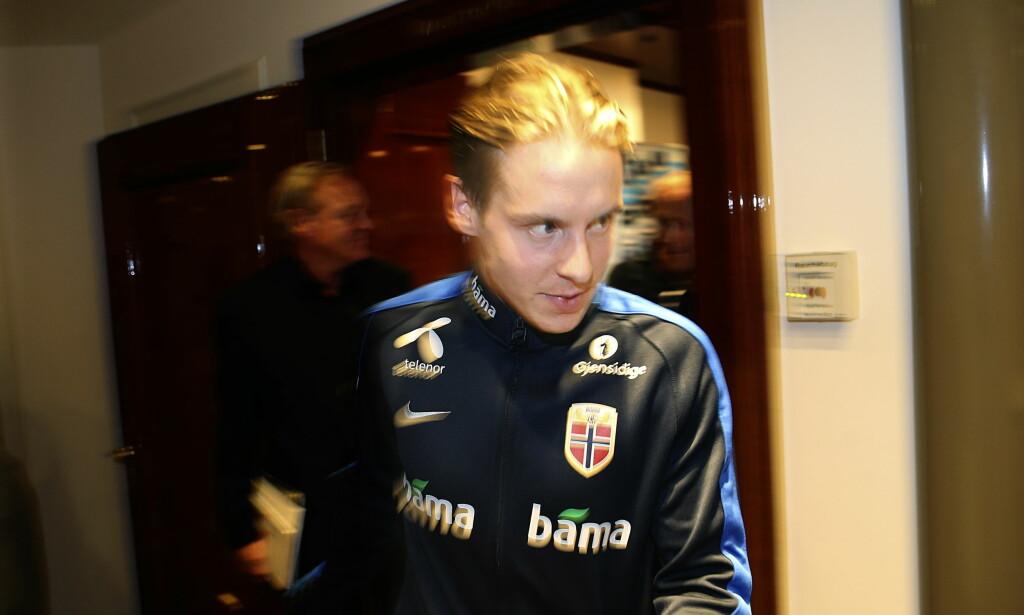 TØFF TID: Stefan Johansen og fotballandslaget ankom Praha i går. I morgen venter Tsjekkia i VM-kvalifiseringen. Foto: Vidar Ruud / NTB Scanpix