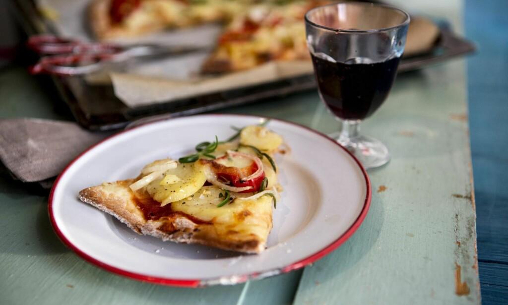 VIN TIL PIZZA OG FEST: Montepulciano d`Abruzzo-vinene er blitt populære i Norge, ikke minst takket være en liten kvist. Foto: NTB SCANPIX
