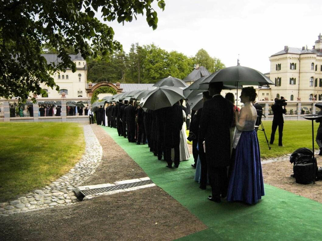 FRITZØEHUS: Slottet utenfor Larvik ble bygget i 1861 og har alltid vært i Treschow-familiens eie. Stein Erik hagen og Mille-Marie feiret brullupsfesten sin der i 2004. Foto: SCANPIX