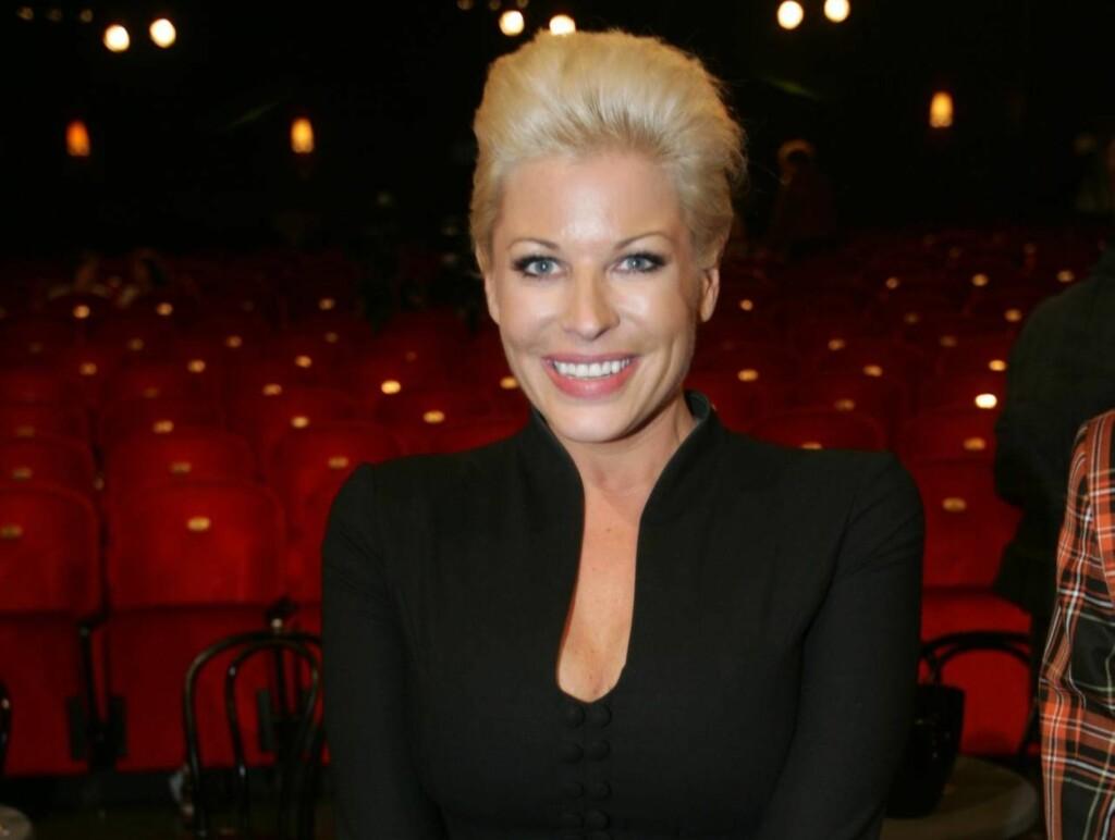 """TILBAKE PÅ SKJERMEN: Anne-Kat. Hærland leder programmet """"Anne-Kat. ser på TV"""". Foto: Stella Pictures"""