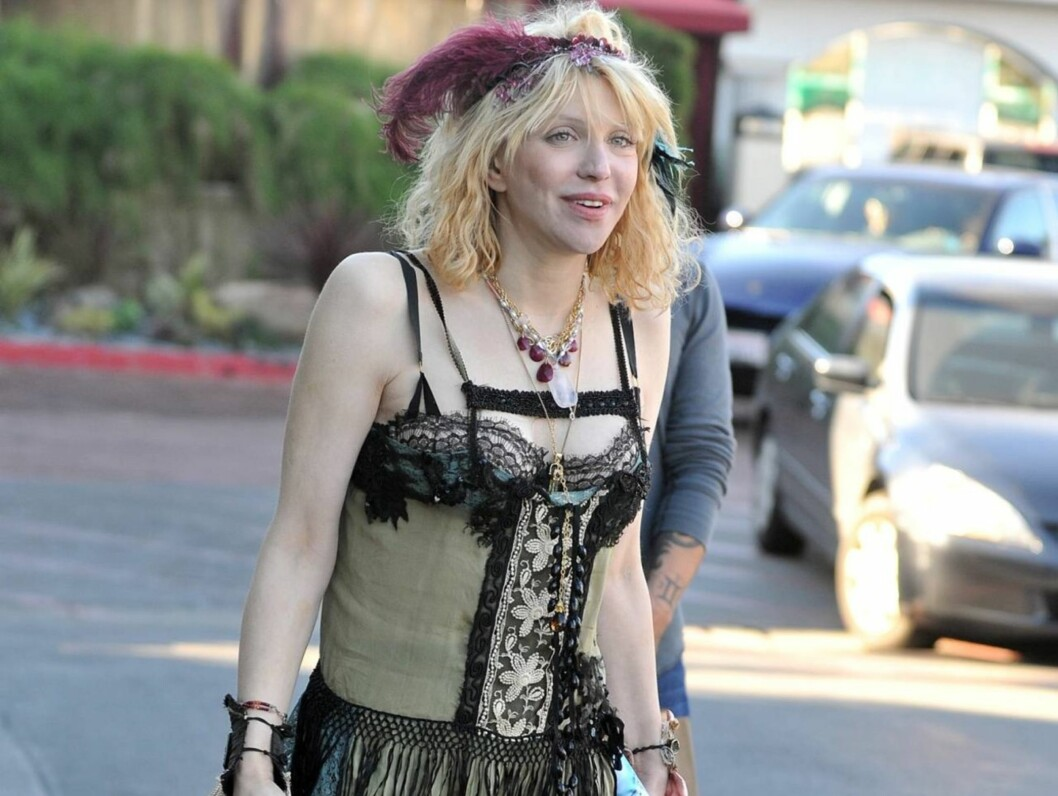 BLAKK: Courtney Love er blakk og står i fare for å miste hjemmet sitt. Rockestjernen skal ikke ha råd til å gi datteren mat en gang. Foto: All Over Press