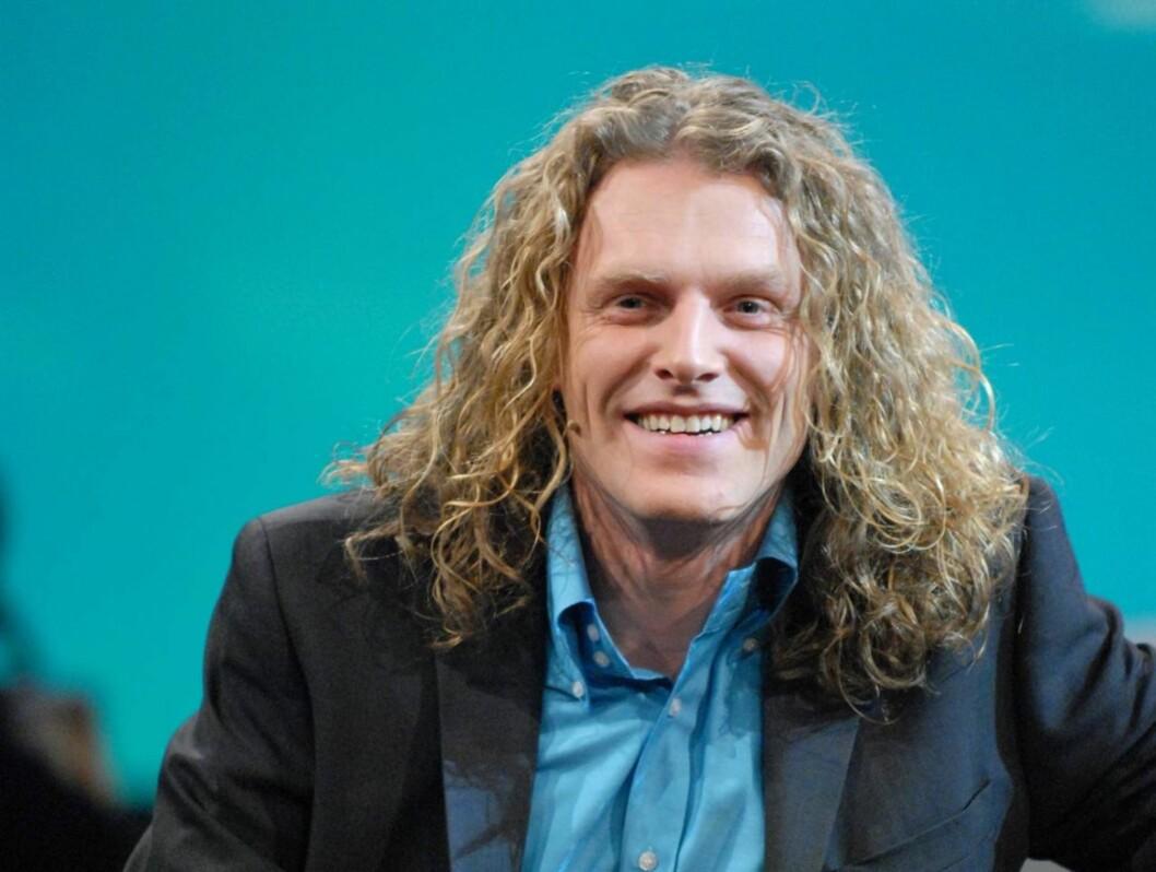 """LYKKEN SMILER: """"Beat for Beat"""" og """"Singing Bee""""-stjernen Trond Nagell Dahl er nå en gift mann. Foto: NRK"""