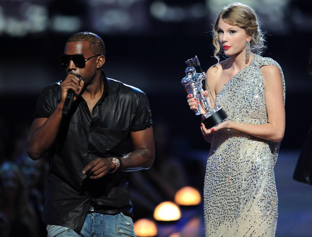 STJAL SHOWET: Kanye stjal mikrofonen fra Taylor og ropte at Beyonce burde vunnet. Foto: All Over Press