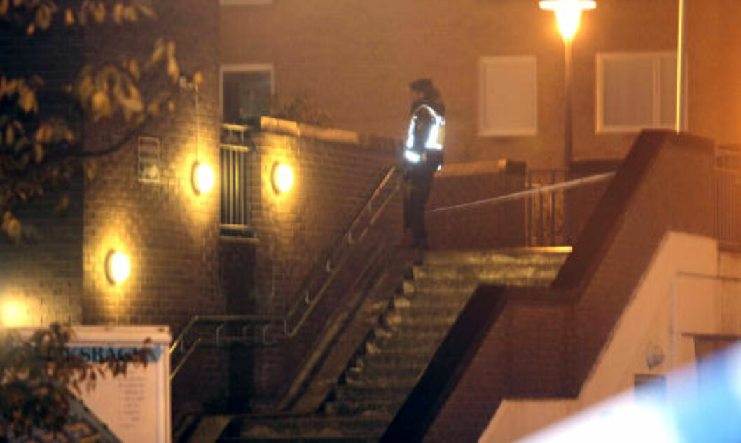 <strong>ETTERFORSKER:</strong> Politiet forsøker nå å finne personen som står bak skyteepisoden i kveld og om den kan kobles til de mange andre skyteepisodene i den svenske byen i det siste. Foto: Drago Prvulovic/Scanpix