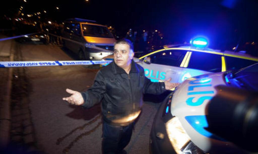 SKAL HA BLITT BESKUTT: Denne iraneren skal ha blitt beskutt gjennom vinduet til sin forretning i Malmö i kveld. Han trakk på skuldrene da Dagbladet spurte hva han tenker om det som har skjedd. FOTO: HENNING LILLEGÅRD/DAGBLADET