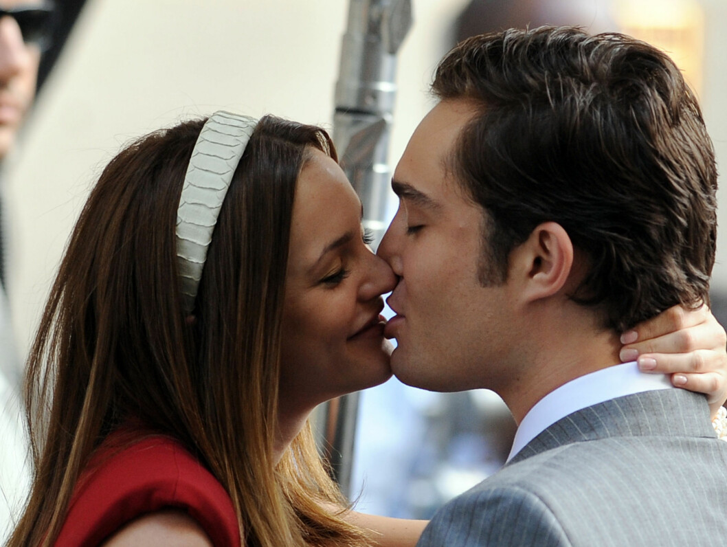 HETE FØLELSER: Leighton Meester fniste godt da kun kysset  Ed Westwick på settet i New York mandag. Foto: All Over Press