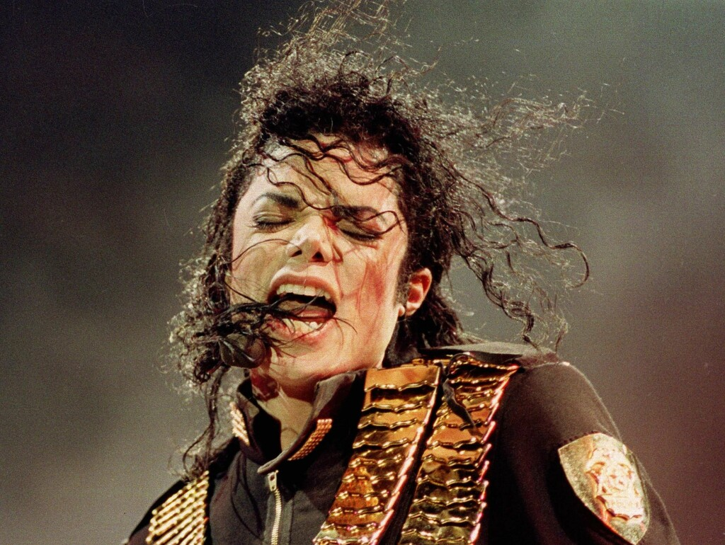 DØDE: Michael Jackson døde brått i Los Angeles i 21-tiden norsk tid torsdag. Foto: AP
