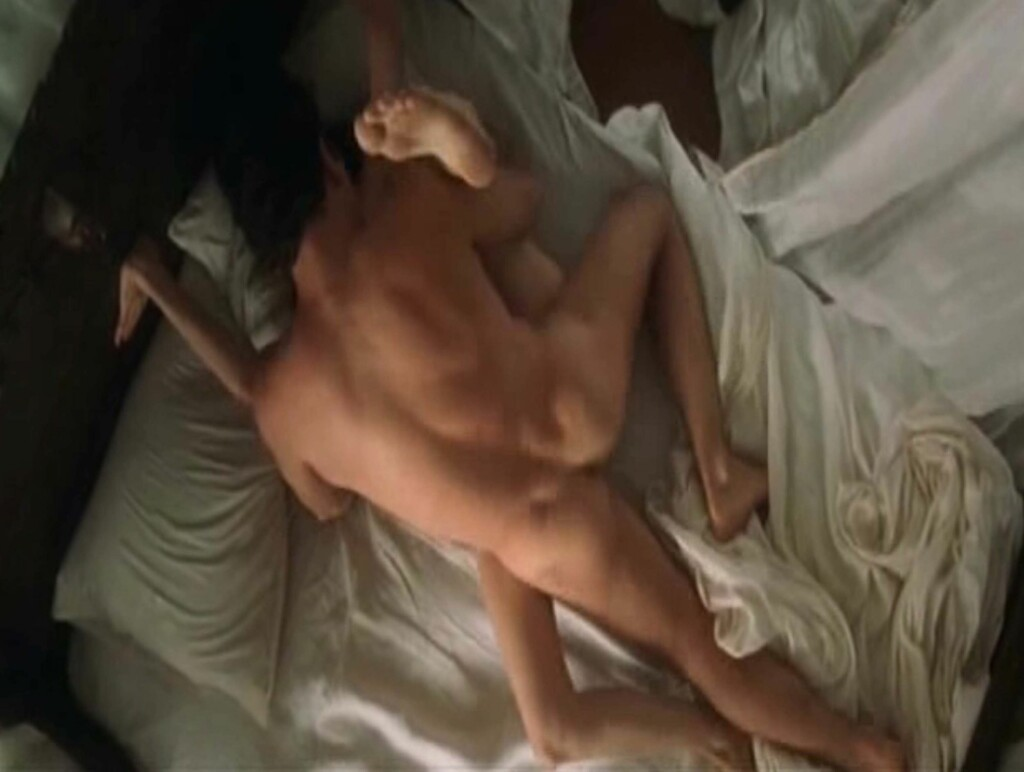Los Angeles.USA. Antonio Banderas and Angelina in screen captures of their erotic  scenes in the 2001 film Original Sin .  The period drama was also known as Dancing in the Dark. Ref:LMK110-3632-180108  Supplied by LMKMEDIA. Editorial Only. Landmark Media Foto: All Over Press