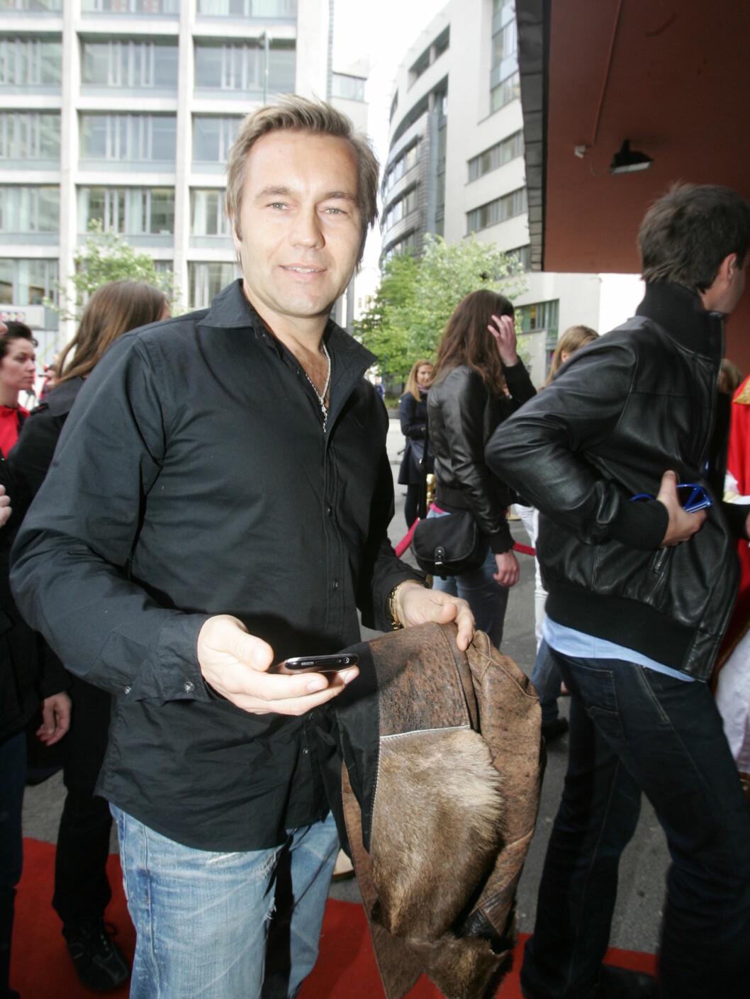 KOM ALENE: David Eriksen hadde ikke med seg Tone Damli Aaberge denne tirsdagen. Foto: Stella Pictures