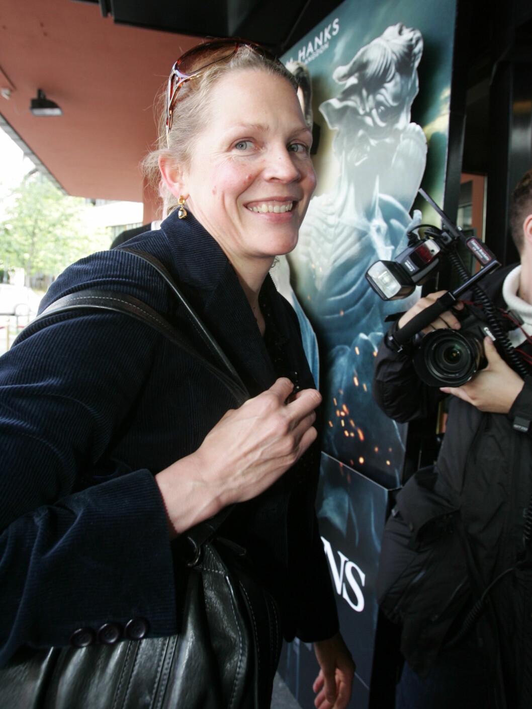 "HASTET FORBI: Åsne Seierstad var på ""Engler og Demoner""-premiere. Foto: Stella Pictures"