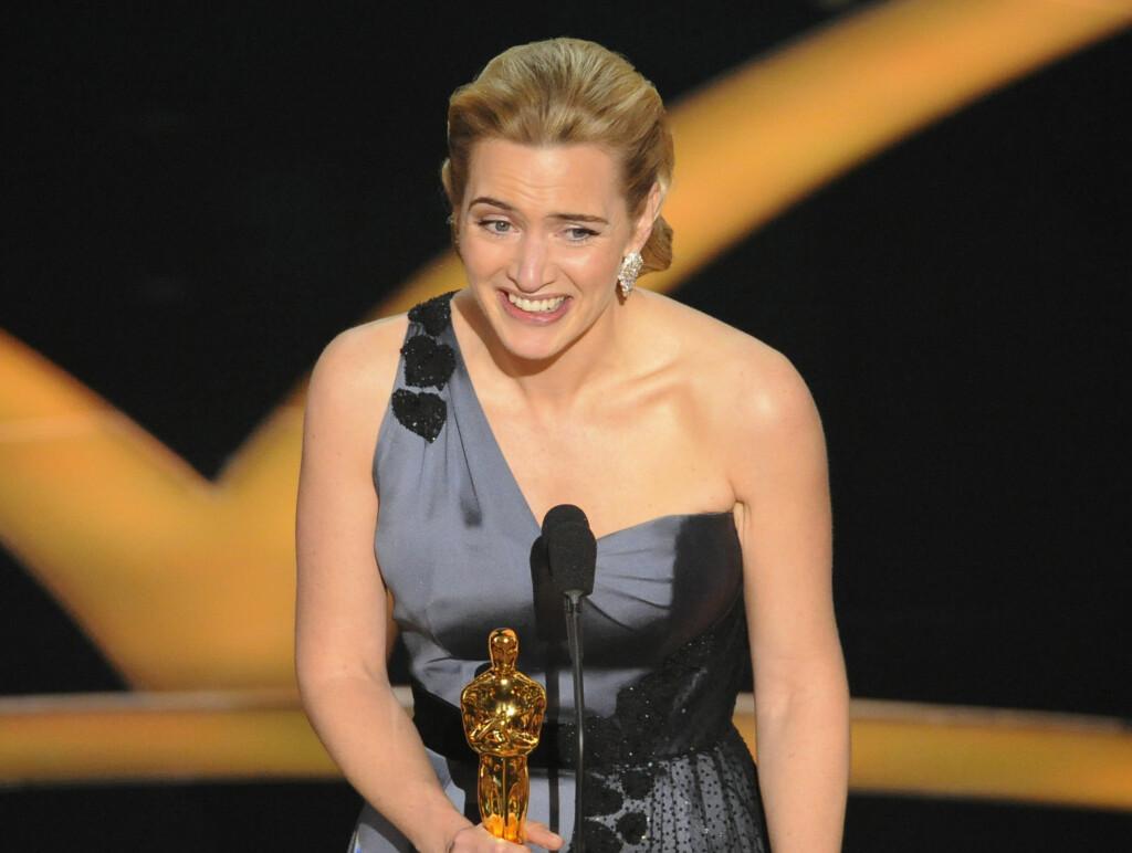 KVELDENS GLADESTE: Kate Winslet fikk endelig en Oscar-statuett - etter å ha vært nominert fem ganger tidligere. Foto: AP