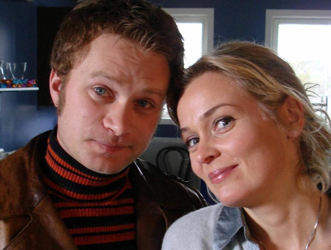 """FAN AV EDWARD: - Nå kjeder du deg, nå. Kyss og klem, skriver """"Himmelblå""""-kollega Line Verndal på siden for Edward Schultheiss' fansklubb. Foto: NRK"""