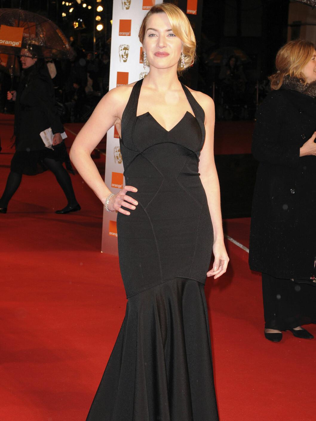 VINNER: Kate Winslet er britenes store diva, og hun vant prisen for beste kvinnelige skuespiller for rollen i The Reader. Og kjolen fra Zac Posen er også en vinner! Tilbehør fra Chopard. Foto: All Over Press