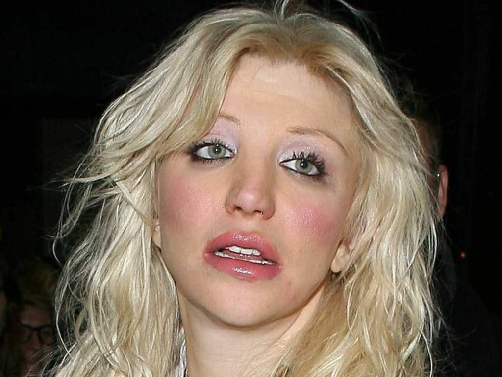 FYRER LØS: Courtney var tidligere med i jentebandet Hole. En slik erfaring får hun nok ikke igjen. Foto: All Over Press