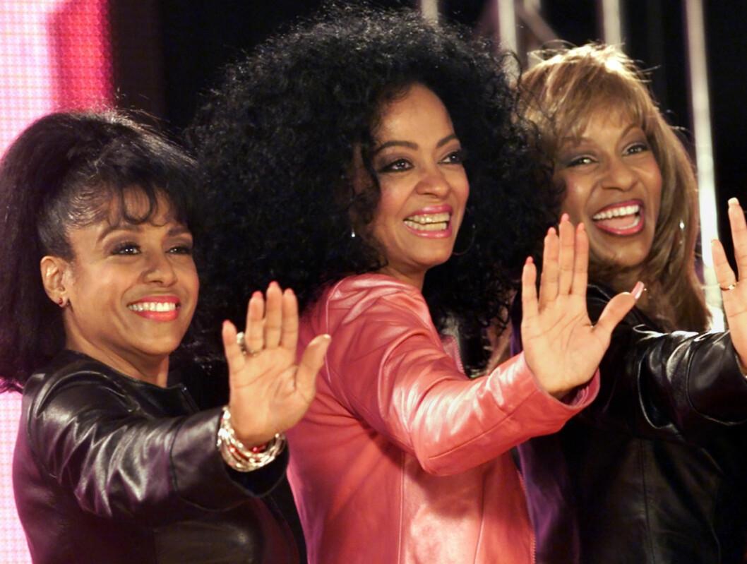 GJENFORENT: Diana Ross flankert av eks-Supremes-ene Scherrie Payne og Lynda Laurence i 2000. Foto: AP
