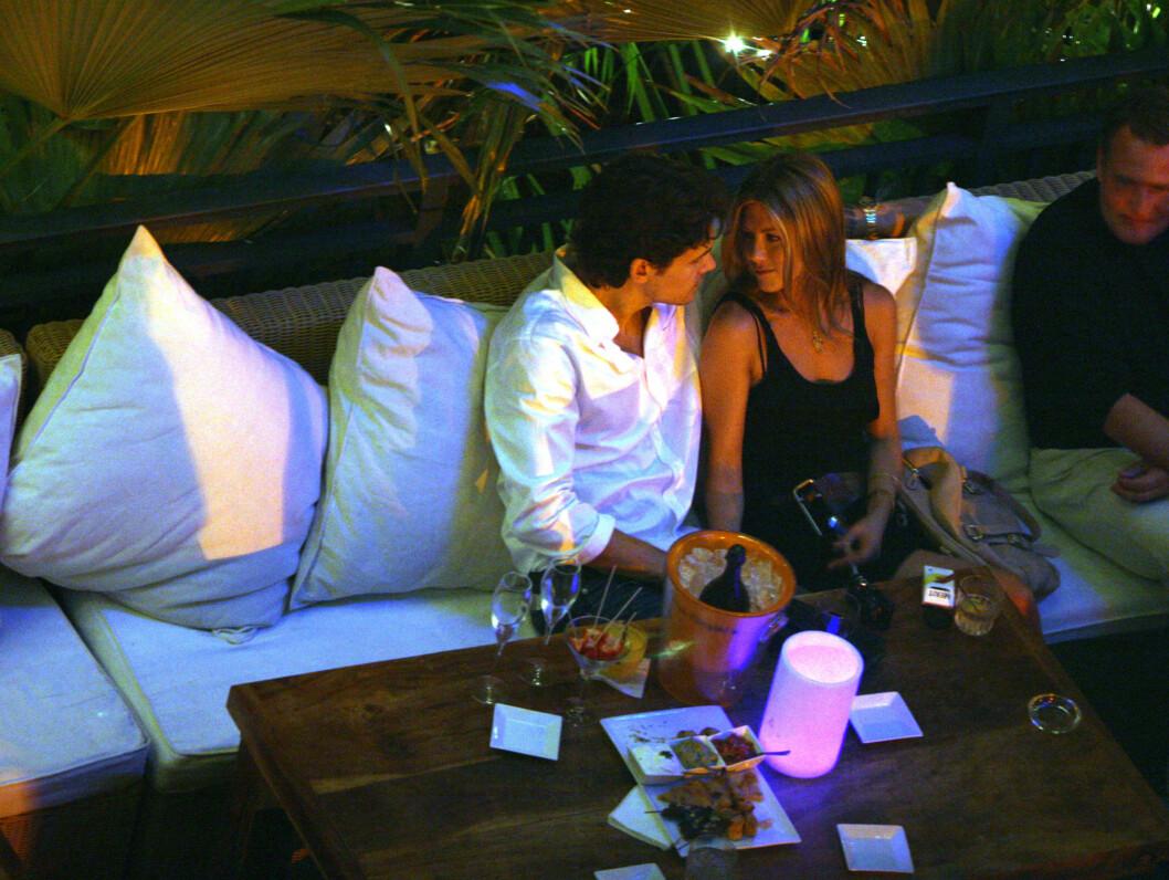 DUMPET: Jennifer Aniston skal ha blitt dumpet på SMS av John Mayer. Foto: All Over Press
