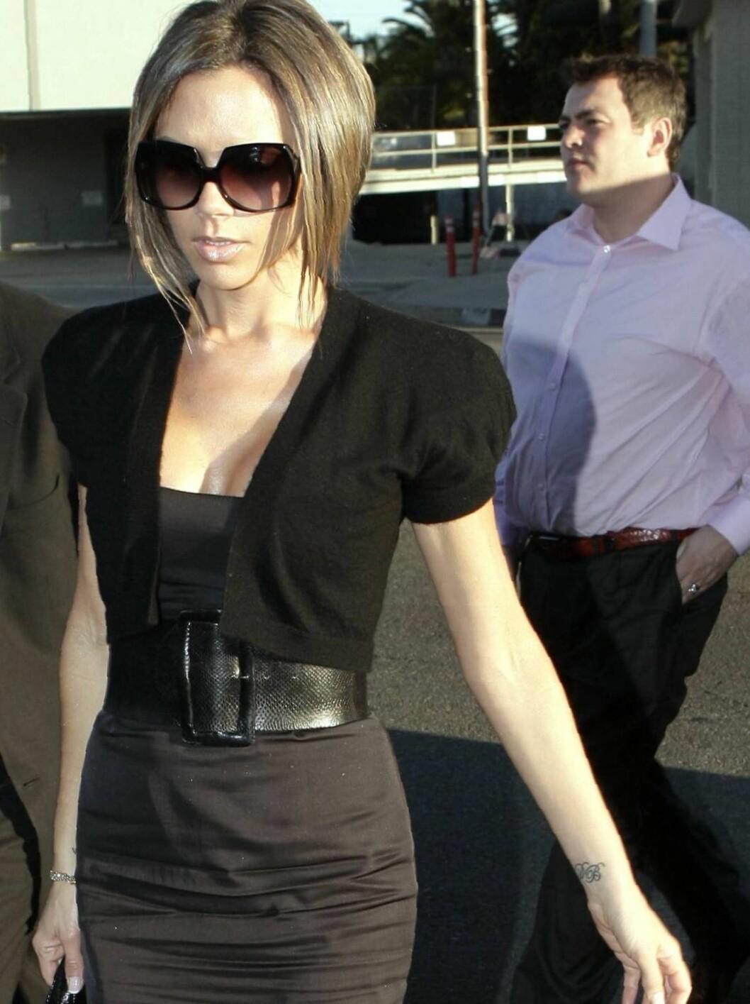 """<strong>VARIG MINNE:</strong> Det er Victoria Beckham som bærer """"DB"""" på håndleddet. Tatoveringen står selvsagt for hennes ektemann, David Beckham. Foto: All Over Press"""