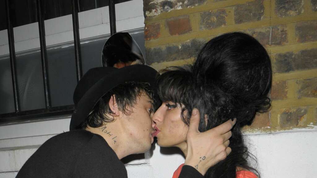 NARKOROMANSE: Det ser ut som Amy Winehouse og Pete Doherty har funnet tonen.. Foto: All Over Press