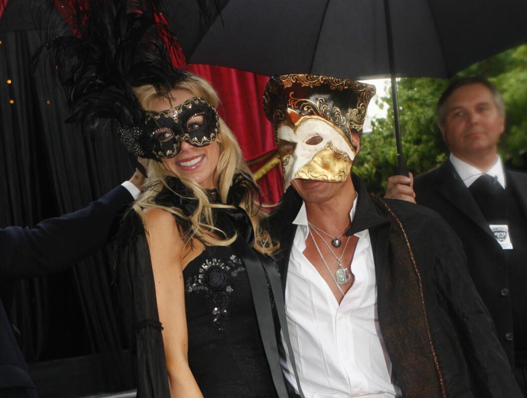 SLO PÅ STORTROMMA: Petter Stordalen og hans Gunhild Melhus inviterte kjendisfiffen til fest fredag. Foto: SCANPIX