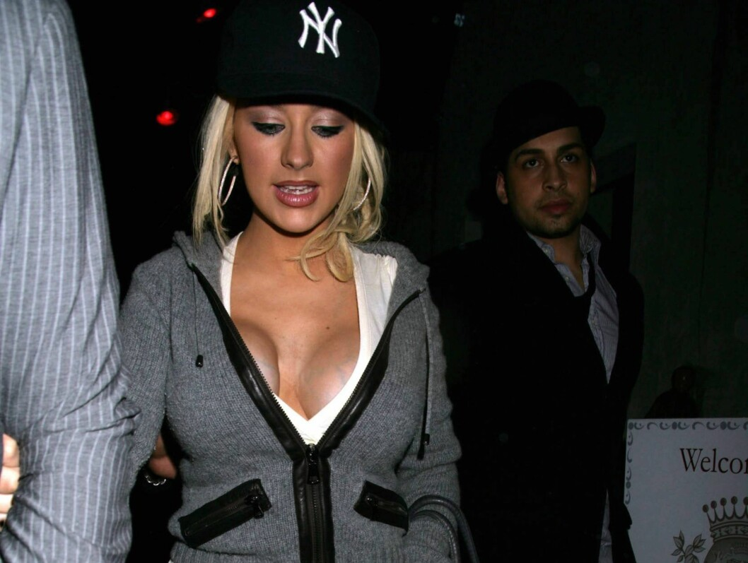 HVA HAR SKJEDD?: Christina Aguileras høyre bryst er svært ujevnt. Foto: All Over Press