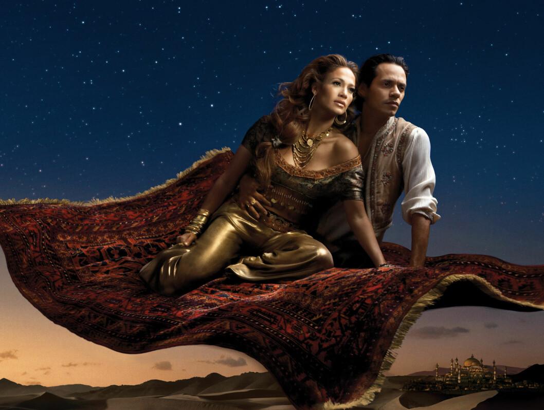 ALADDIN: Jennifer Lopez og ektemannen Marc Anthony ser ut til å kose seg på det flygende teppet... Foto: AP